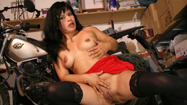 Amy Noire Photo 4