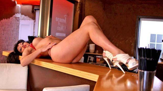 Angelina Photo 3