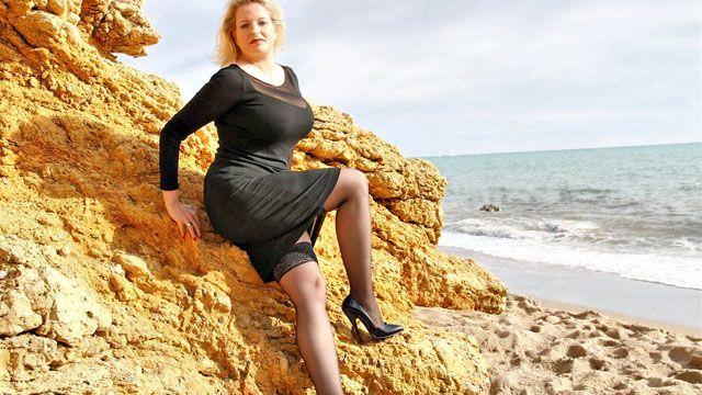 Carola Photo 5