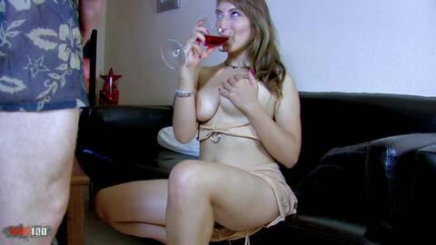 Ramassée dans une soirée et enculée su...photo 2