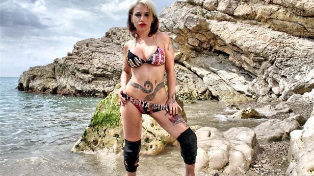 Gina Snake Photo 5