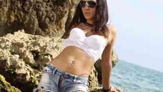 La très sexy Isabelle Solis nous offre...photo 1