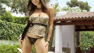 La très sexy Isabelle Solis dans un sh...photo 3