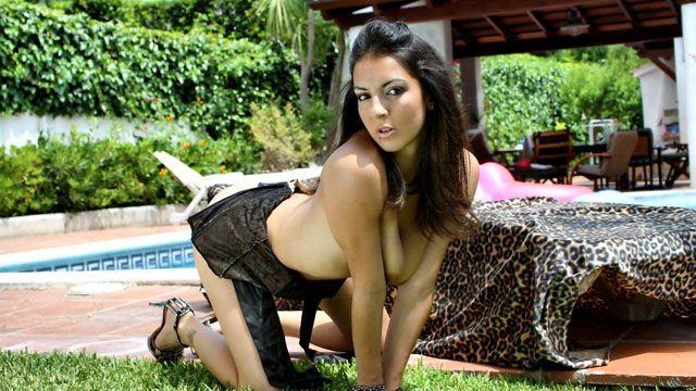 Isabelle Solis Photo 2