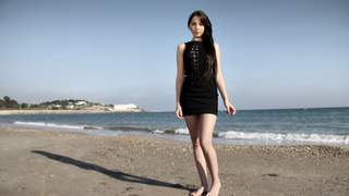 La jeune pornstar  brune Kimber Delice...photo 2