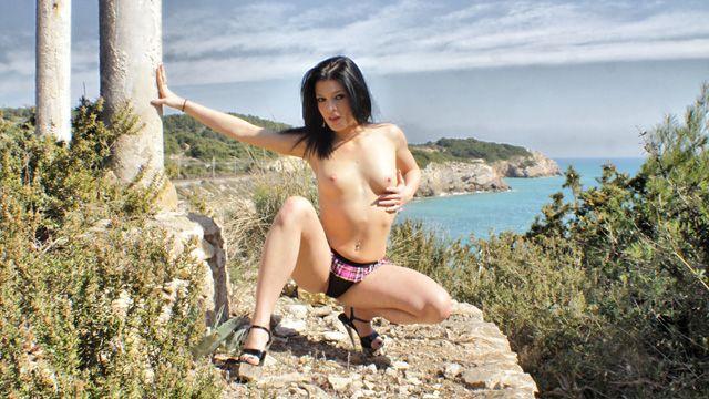 Lana Fever Photo 1
