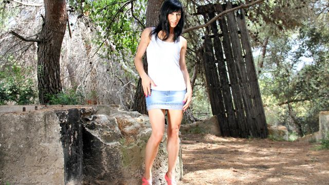 Linda India Photo 2