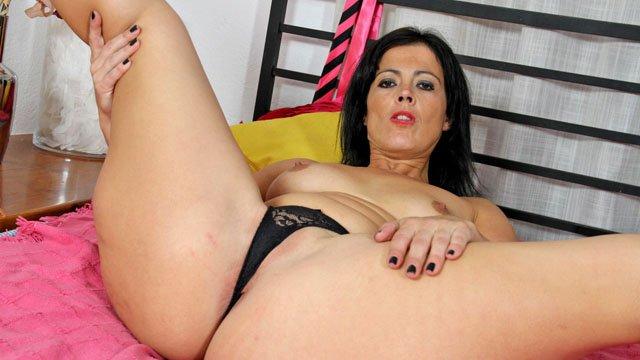 Montse Swinger Photo 2