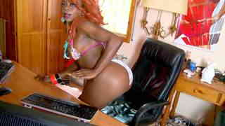 Ravissante black Naomi Lionness pose en webcam amateur   photo 08