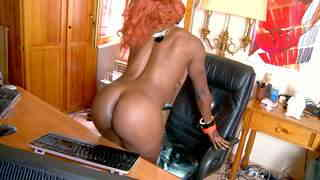 Ravissante black Naomi Lionness pose en webcam amateur   photo 14