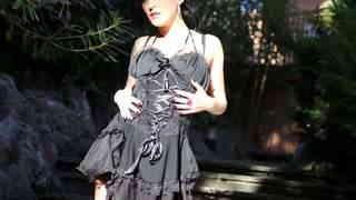 La magnifique jeune brune Nikita Ways ...photo 1