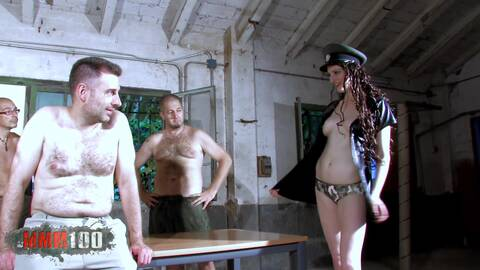 Gang Bang à la prison photo 1