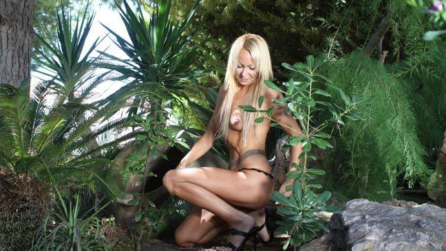 Tamara Dix Photo 2