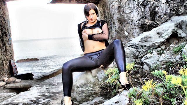 Tania Berry Photo 1