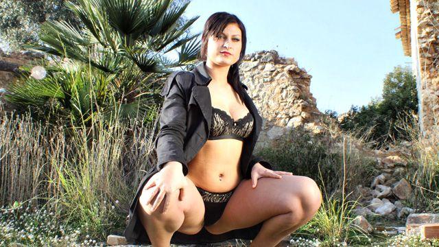 Tania Berry Photo 3