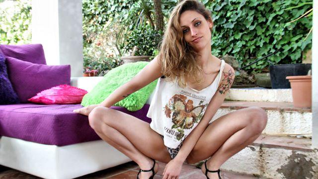 Tania Has Photo 2